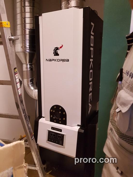 梅兰芳(餐馆) 安装 NKIC-15K(15公斤) 餐饮油烟净化器 安装案例。
