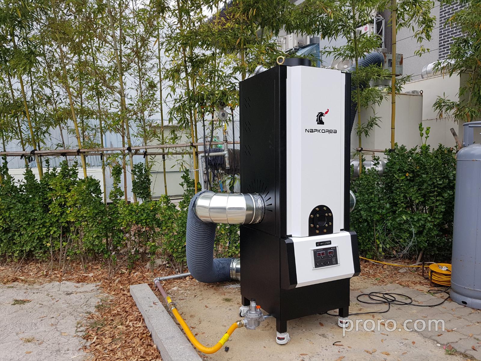 双桥炭火烤肉馆安装 NKIC-15K(15公斤)餐饮油烟净化器 安装案例。